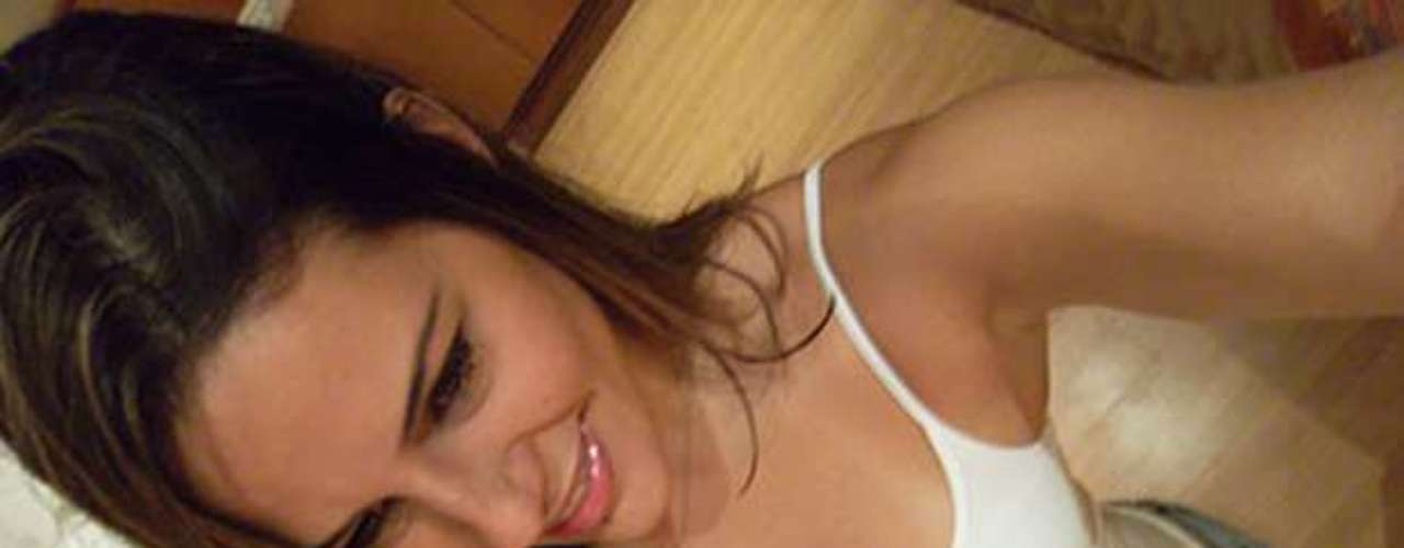 Princy, 32 anos, é corretora de imóveis de Goiânia (GO)