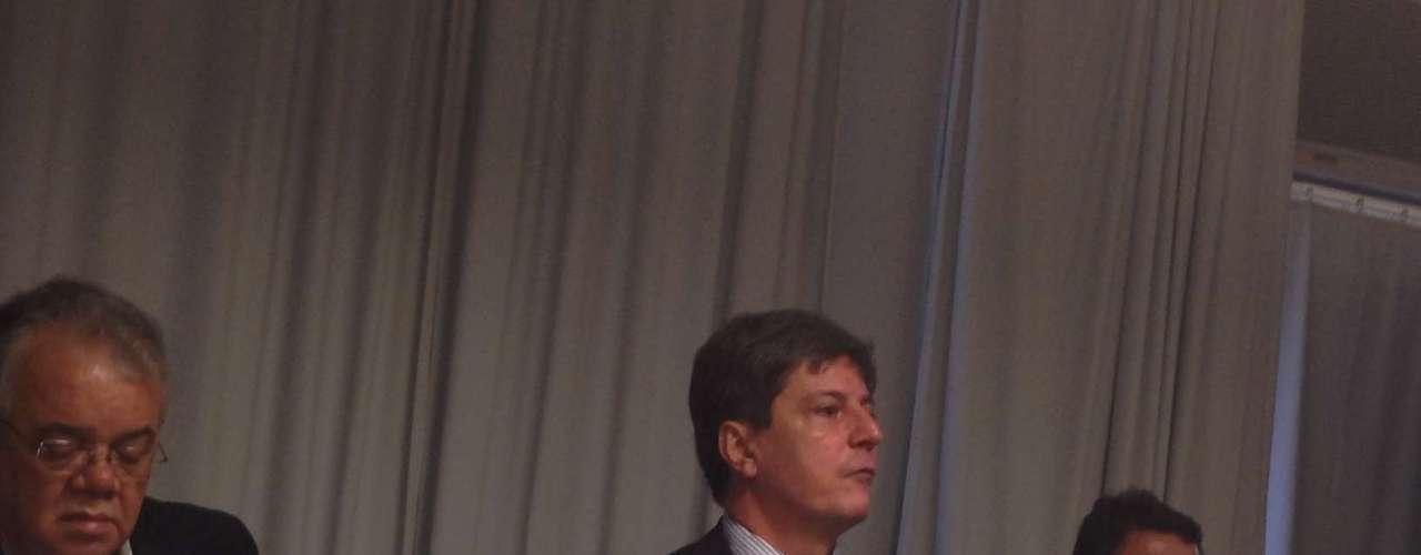 14 de janeiro -Segundo o presidente do grupo Galileo, Alex Porto, a decisão do MEC é \
