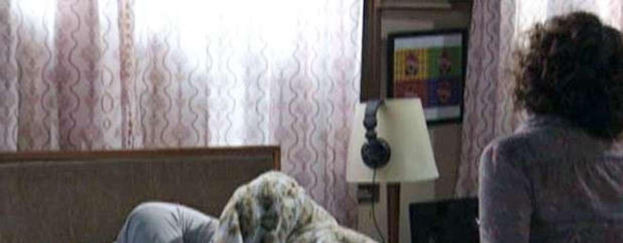 Depois de ver a participação de Valdirene (Tatá Werneck) noBig Brother Brasil,Carlito (Anderson Di Rizzi)se sente humilhado e desiste da amada