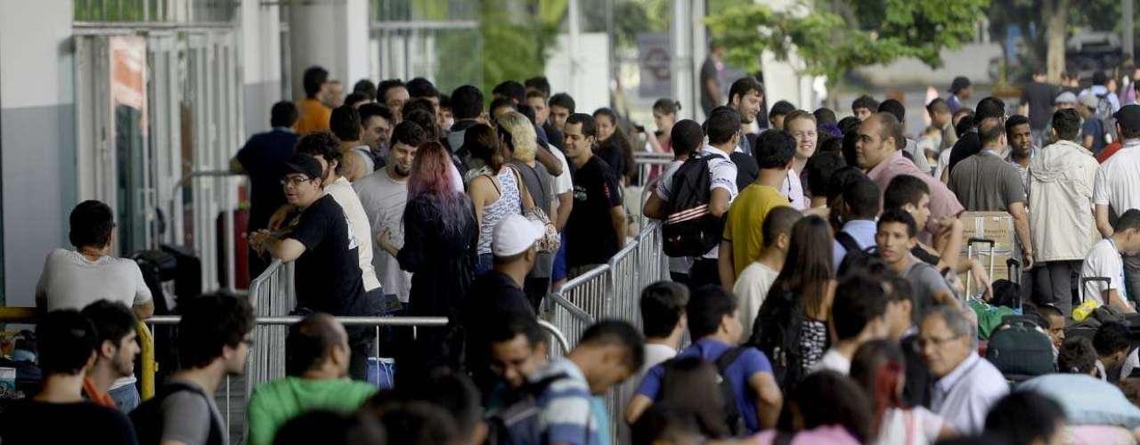 Fila para entrar na sétima edição da Campus Party começou a se formar 48h antes do evento abrir as portas
