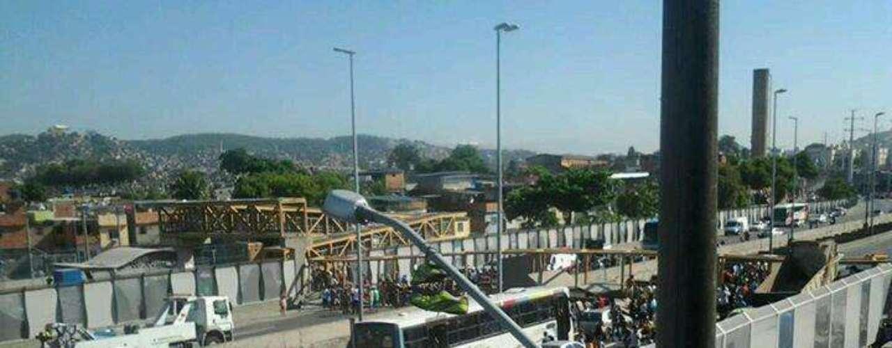 28 de janeiro -Acidente aconteceu em Del Castilho e interditou a Linha Amarela em toda sua extensão