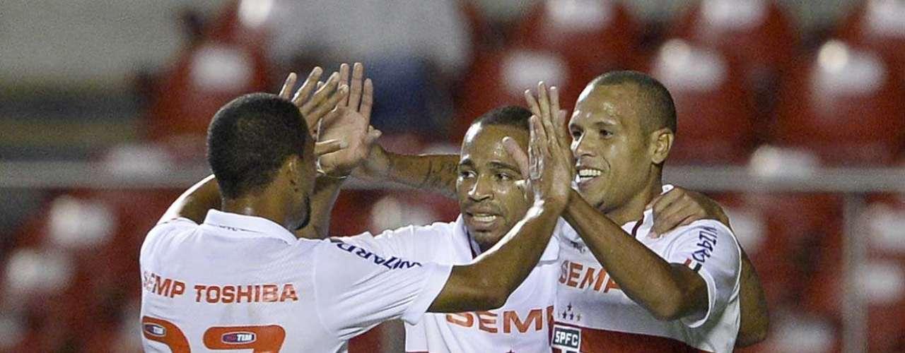 São Paulo não teve trabalho para exercer superioridade contra oRio Claro