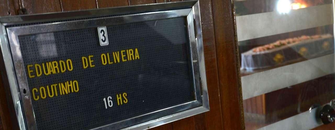 Enterro do cineasta Eduardo Coutinho está marcado para ocorrer às 16h desta segunda-feira