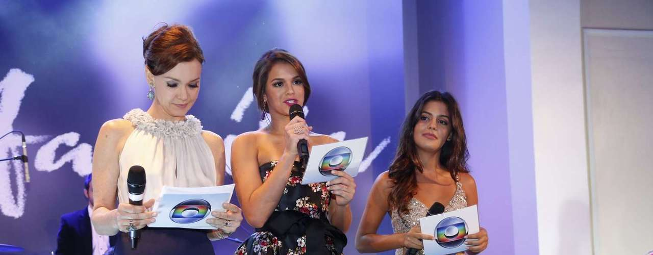 Júlia Lemmertz, Bruna Marquezine e Juliana Dalavia, as três fases de Helena, a protagonista de 'Em Família'