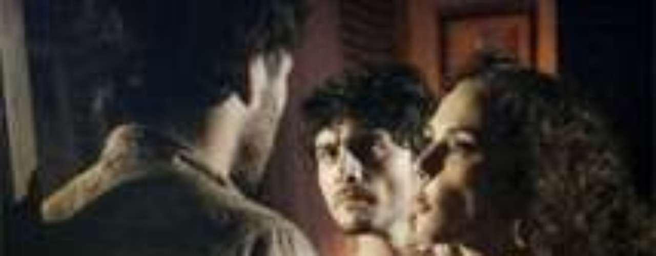 Em sua despedida de solteiro,Laerte trai Helena com uma garota de programa. Virgílio tenta impedir, mas é ignorado