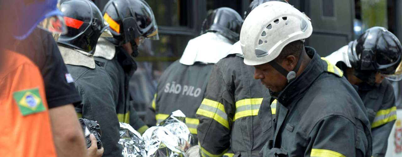 Motorista de táxi e passageiro morreram na hora