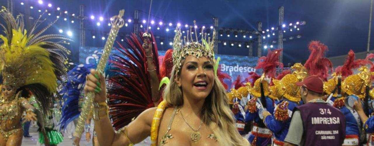 Gil Jung, estreante no Carnaval de São Paulo foi Rainha de bateria do Acadêmicos do Tatuapé
