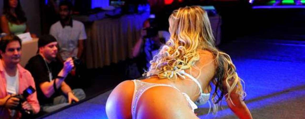 A ex-latinete Andressa Urach se destacou na mídia não por uma conquista, mas por uma derrota. Ao terminar em segundo lugar no concurso Miss Bumbum, em 2012, a gaúcha teve os primeiros holofotes. Depois, uma trajetória que passou por escândalo amoroso, brigas e polêmicas a levou ao Carnaval 2014, onde é um dos principais destaques das escolas de samba