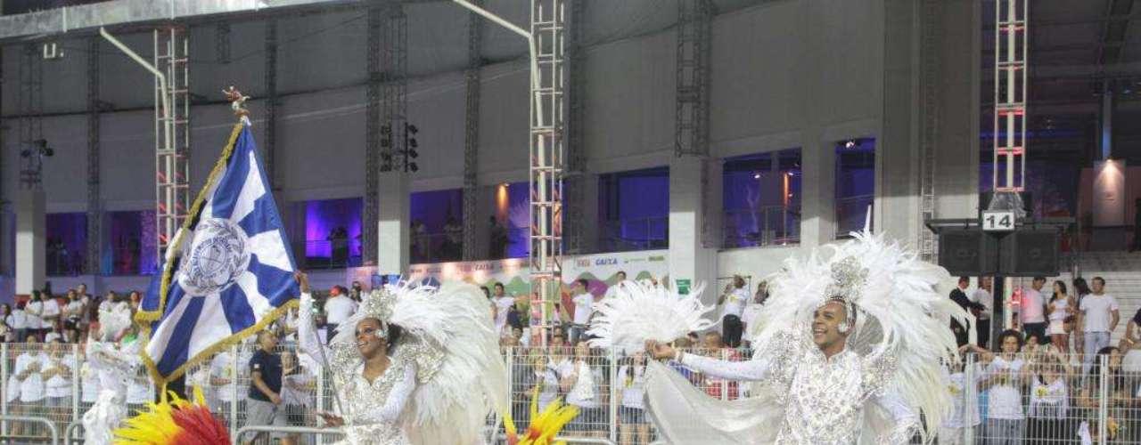 Casal de Mestre-Sala e Porta-Bandeira durante o desfile da Acadêmicos do Tatuapé, neste domingo, no Anhembi