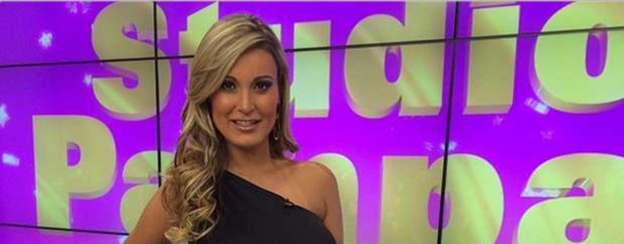 Ela ainda é uma das apresentadoras do programa Studio Pampa, em Porto Alegre