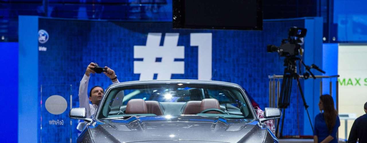 Ford Mustang Conversível 2015