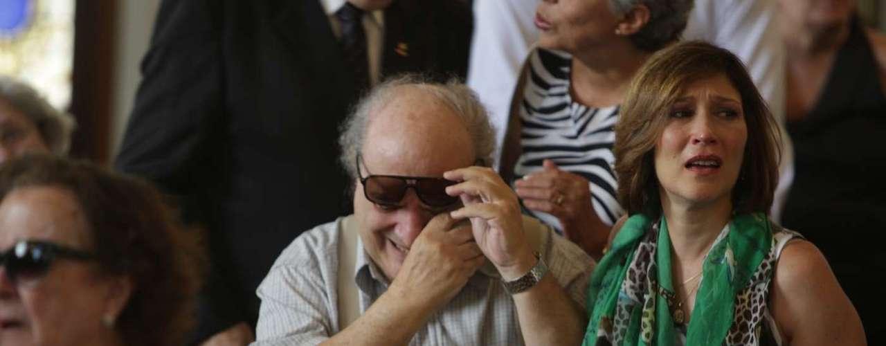 Amigos e Familiares se emocionaram no velório de Paulo Goulart no Theatro Municipal, em São Paulo, que continuou nesta sexta-feira (14)