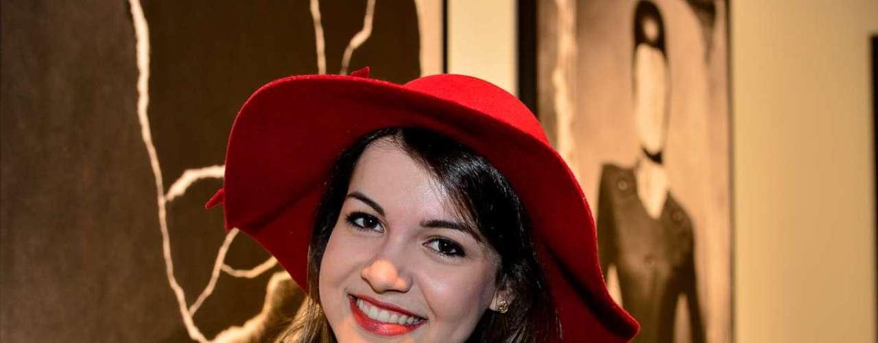 Carol Pires, 18 anos, estudante