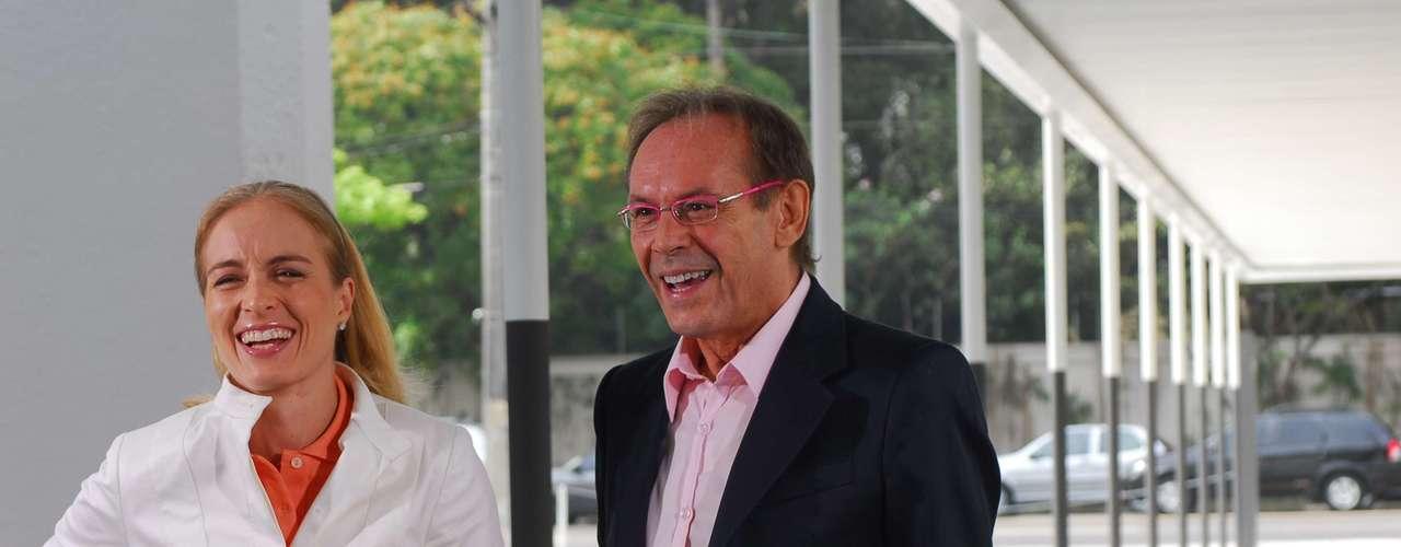 José Wilker morreu na manhã deste sábado (5), vítima de um infarto fulminante, em sua casa no Rio de Janeiro. Na foto, com Angélica no 'Estrelas', em 2008
