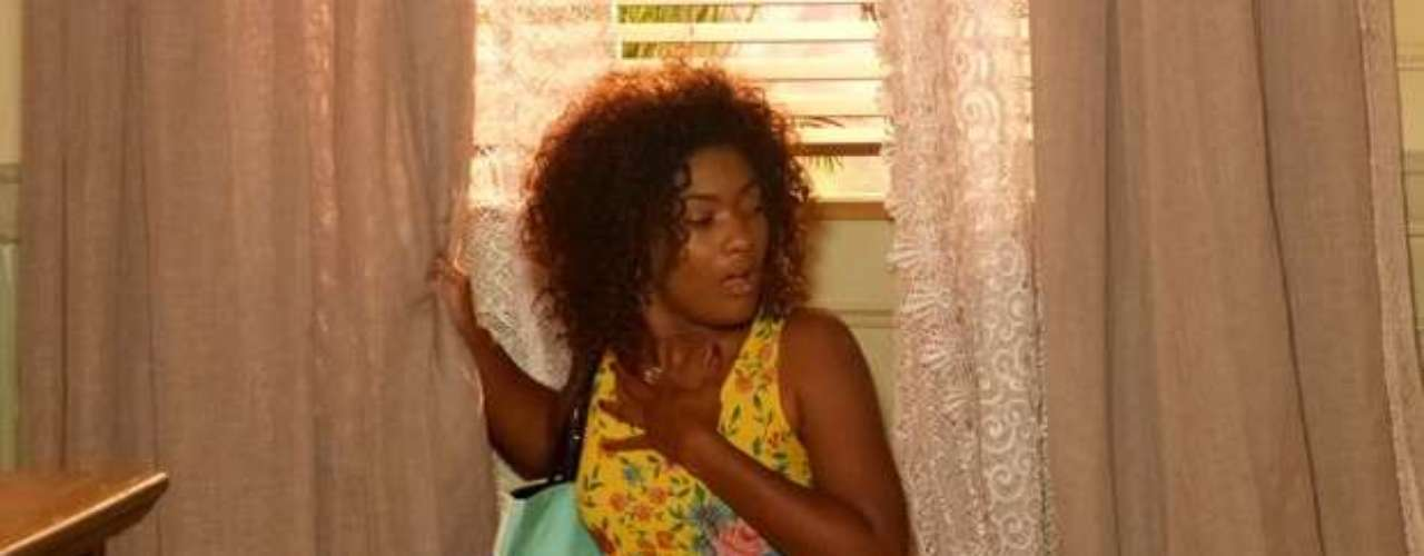 Alice vai escutar Virgílio e Neidinha conversando sobre sua origem e descobre que é fruto de um estupro