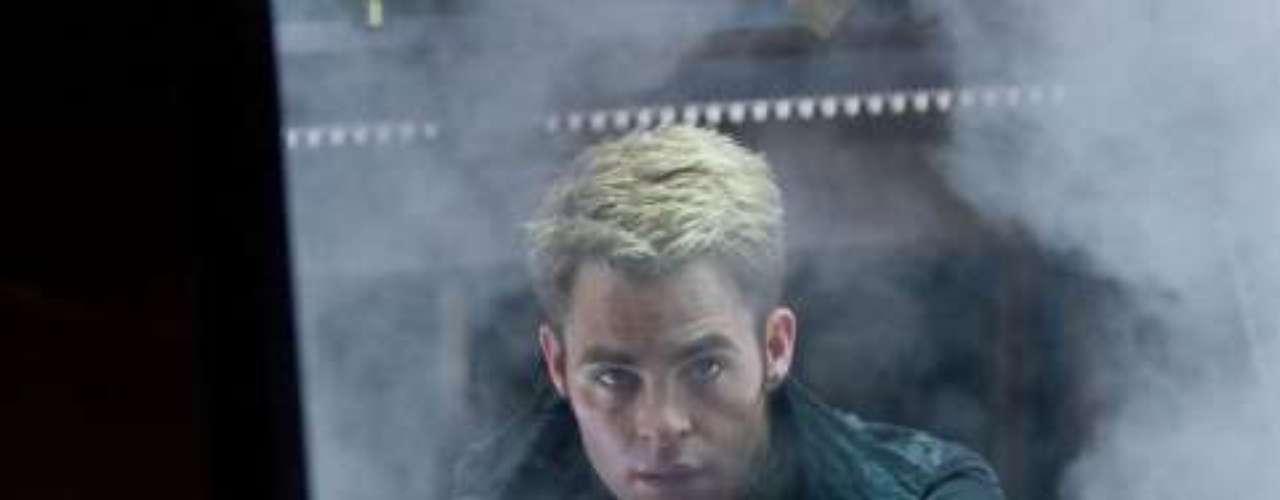 Chris Pine chega aos cinemas do Brasil nesta sexta-feira (14), com Além da Escuridão - Star Trek, mais uma vez como o personagem capitão Kirk.Na foto, Chris Pine