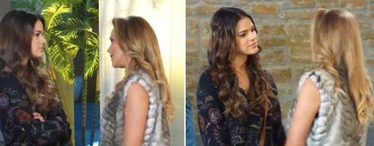 Shirley flagra um beijo entre Laerte e Luiza. Para provocar a estudante, a socialite se despede do flautista com um beijo bem perto da boca