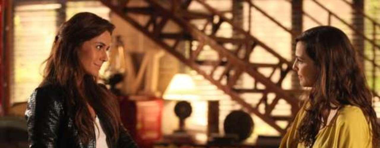 Marina convida Clara para morar em sua casa em Santa Teresa