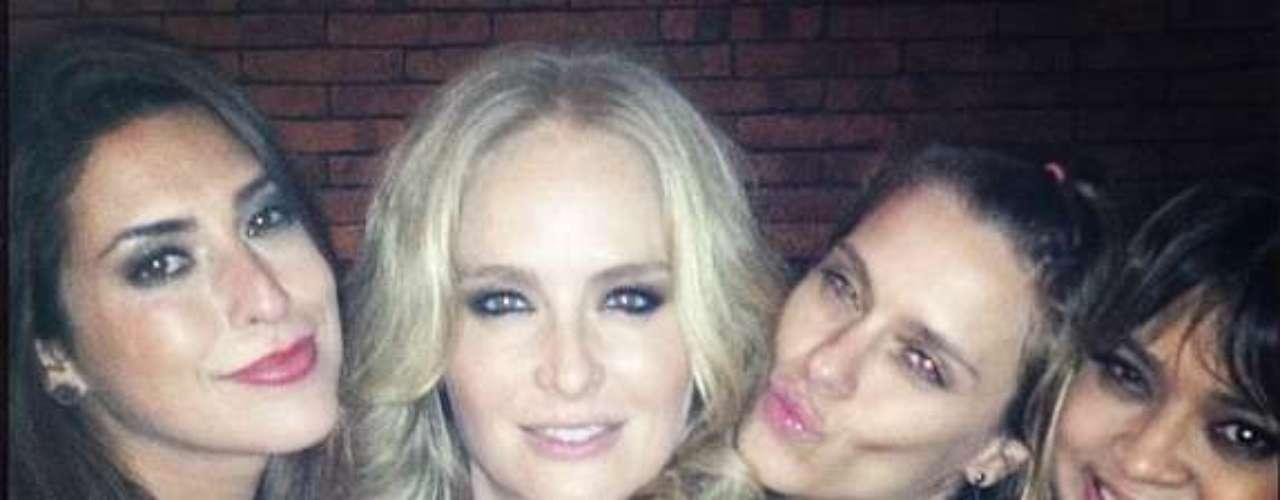 Angélica comemorou seu aniversário de 39 anos em sua casa no Rio de Janeiro, ao lado de amigos famosos e familiares