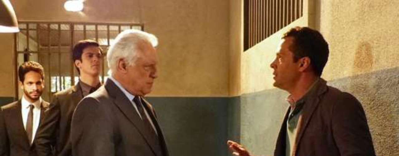 Durante uma visita a Paloma na cadeia, César dirá para Bruno que ele é o culpado pela prisão da pediatra. O corretor vai ficar indignado