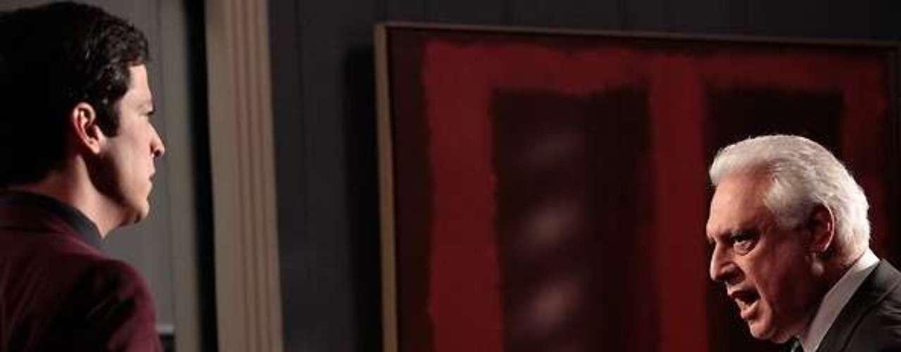 César (Antonio Fagundes) descobre as fraudes em contratos e resolve afastar Félix (Mateus Solano) do hospital até que uma auditoria seja feita