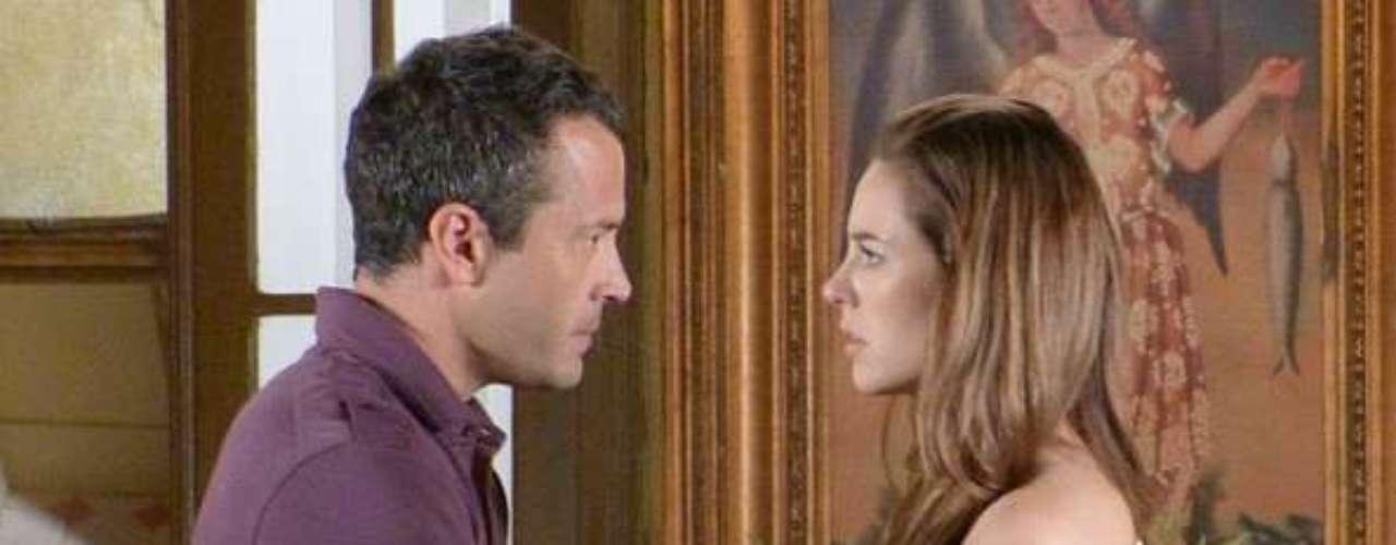 No Peru em busca de Paulinha (Klara Castanho), Bruno (Malvino Salvador) recusa passar a noite com Paloma (Paolla Oliveiar) e diz que prefere não misturar as coisas