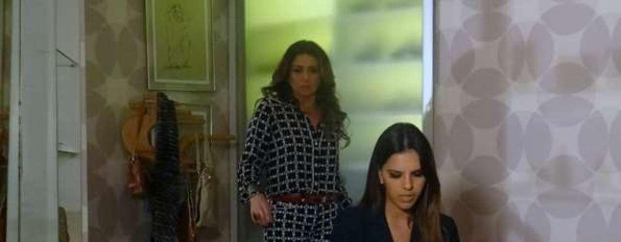 Drika (Mariana Rios) descobrirá as compras que Helô (Giovanna Antonelli) e esconde no closet. Ela questionará por que a mãe tem roupas que nunca usou