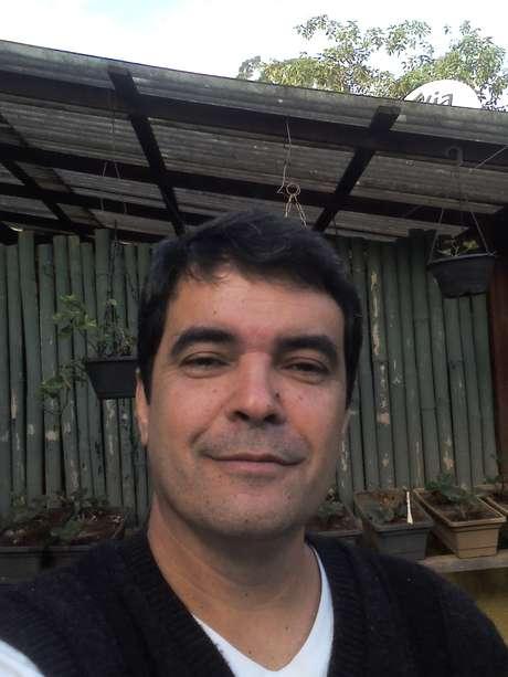 Jornalista João Carlos Leal diz ter combinado com o filho para ser enviado em um foguete até Marte mesmo que já esteja morto e cremado Foto: João Carlos Leal, Arquivo Pessoal / Especial para Terra