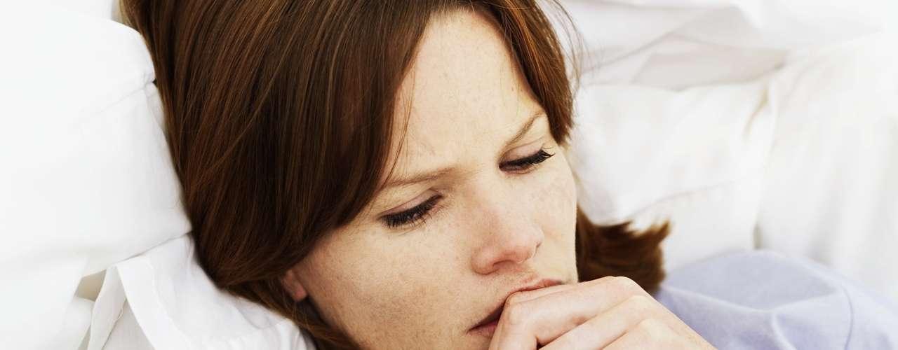 9. Descanso: segundo o médico, esta pode não ser a solução mais rápida, mas ficar um pouco de repouso é provavelmente a melhor coisa que você pode fazer para combater a infecção que causou a sua dor de garganta. \