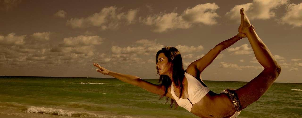 Filha do ex-quarterback Bernie Kosar, Sara Lindsey Kosar se tornou a atriz pornô Lexxi Silver