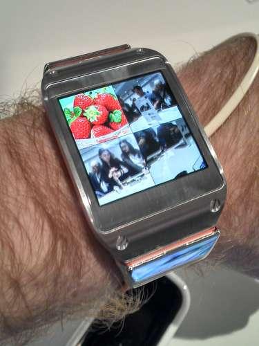 Galaxy Gear ainda dispõe de aplicativo de galeria, onde é possível ver imagens registradas com o gadget de vestir