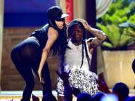 HOLY BOOTY! Lil Wayne seemed amazed at Nicki Minaj's backside Foto: Getty Images