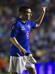 Christian Giménez salió de cambio y fue ovacionado por los aficionados de Cruz Azul. Foto: Imago 7