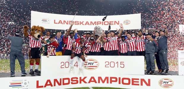 PSV sai da fila e é campeão holandês após 7 anos de jejum