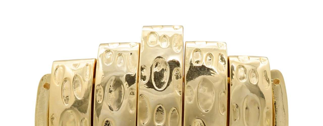Pulseira dourada Dona da Bijoux, R$ 115, Tel. 11 3333-3237