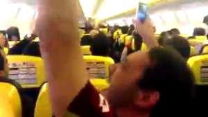 """Piloto grita """"vai, Galo"""" e atleticanos vibram no avião; veja Video:"""