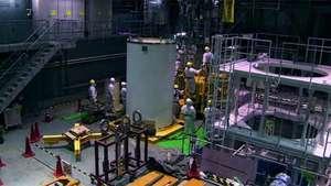 Fukushima: retirada de barras de combustível do reator 4 deve terminar no final de 2014 Video: