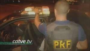 Homem é preso com 7 quilos de cocaína na BR 277 Video: