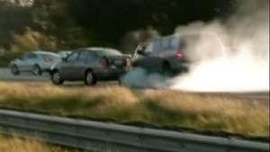 Câmeras flagram batidas em série em estrada dos EUA Video:
