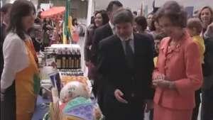 Rainha da Espanha inaugura bazar diplomático beneficente Video: