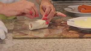 Sueli Rutkowski ensina um cachorro quente com pão de forma Video: