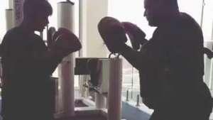 Justin Bieber se diverte com treino de boxe; veja Video: