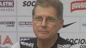 Oswaldo elogia performance do Santos contra o Atlético-PR Video: