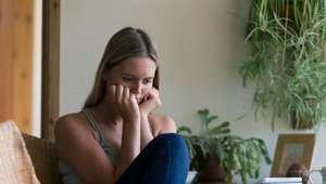 Sente-se sozinho? Veja afirmações para afastar a solidão