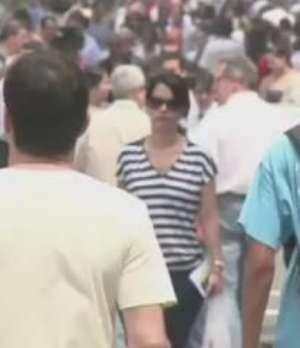 População do Brasil passa de 202 milhões de habitantes Video: