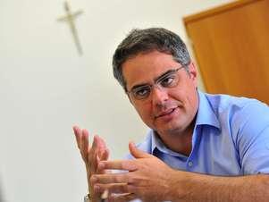 Maciel deu detalhes dos preparativos da prefeitura para receber o Papa em julho Foto: Daniel Ramalho / Terra