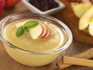 Las manzanas y moras guisadas van muy bien con una buena pizca de canela Foto: Thinkstock