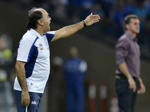 Marcelo Oliveira não poderá contar com Bruno Rodrigo, Ricardo Goulart e Nilton, que são três jogadores fundamentais no time cruzeirense Foto: Washington Alves / Vipcomm