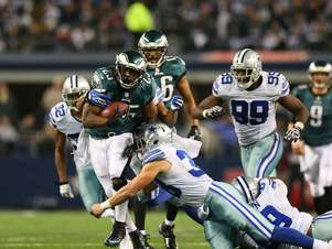 LeSean McCoy comandou a vitória dos Eagles sobre os Cowboys, fora de casa Foto: Getty Images