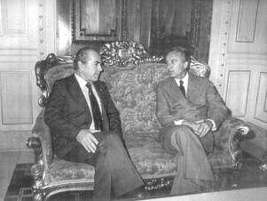 Governadores do Rio de Janeiro, Leonel Brizola, e Jair Soares (dir.), do Rio Grande do Sul, se encontram após a eleição de 1982 Foto: Reprodução